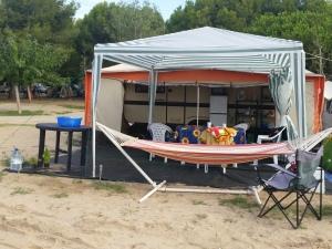 Camping Spanish style... note the fridge freezer!!!
